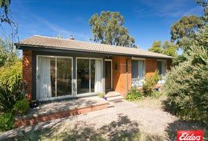 32 Elizabeth Crescent, Macquarie, ACT 2614