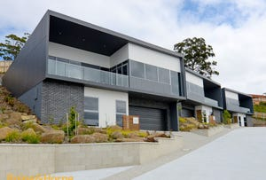 Units 2,3/30 Caladium Place, Blackmans Bay, Tas 7052