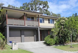6 Charles Parry Street, Crescent Head, NSW 2440