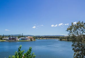 4/125 Santa Cruz Boulevard, Clear Island Waters, Qld 4226