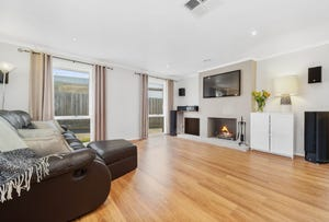 8 Harrow Avenue, Somerville, Vic 3912