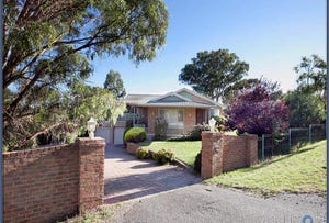 2 Taylor Place, Greenleigh, NSW 2620
