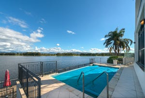 7 Istana View, Clear Island Waters, Qld 4226
