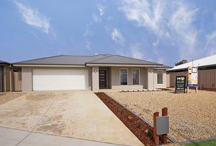 12 Chipp Place, Lloyd, NSW 2650