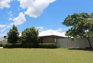 28 Mayfair Drive, Emerald, Qld 4720
