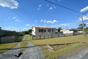44 Border Street, Wallangarra, Qld 4383
