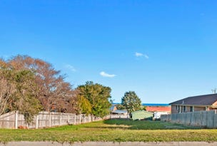53 Capes Road, Lakes Entrance, Vic 3909