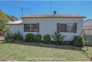 17 Moresby Way, West Bathurst, NSW 2795