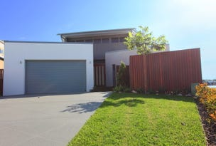 12  Waterfront Court, Twin Waters, Qld 4564
