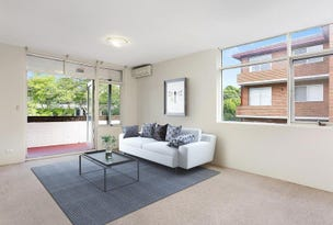2/15 Edgeworth David Avenue, Hornsby, NSW 2077