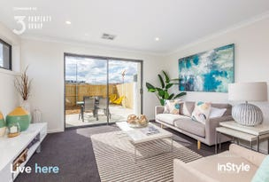 17/33 Woodberry Avenue, Coombs, ACT 2611