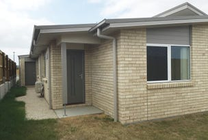 2/3 Kevin Mulroney Drive, Flinders View, Qld 4305