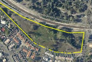 1-3a Loane Drive, Edens Landing, Qld 4207