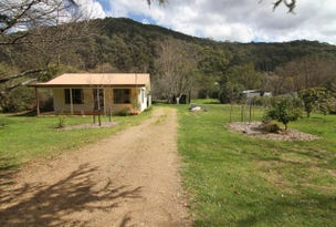 102 Great Alpine Road, Harrietville, Vic 3741