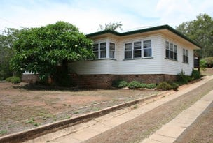 26 Toowoomba Road, Oakey, Qld 4401