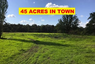 75 Gwynn Hughes St, Bargo, NSW 2574