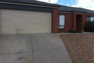 32 Cootamundra Circuit, Melton South, Vic 3338
