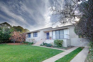 6 Scoble Place, Mawson, ACT 2607
