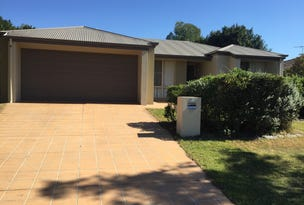 23 Cobb and Co, Oxenford, Qld 4210