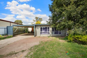 17 Leabrook Drive, Para Hills, SA 5096