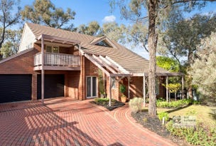 27 Walker Drive, Spring Gully, Vic 3550