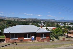 18 Simpson  Street, Tumut, NSW 2720
