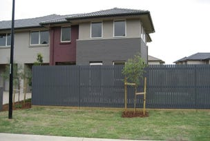 33 Parkwood Drive, Holsworthy, NSW 2173