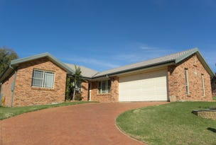 8 Hargreaves Cresent, Young, NSW 2594