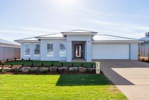 12 Yenda Avenue, Gobbagombalin, NSW 2650