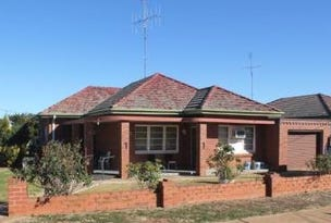 28 Caswell st, Peak Hill, NSW 2869