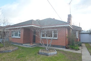 4 CHOMLEY AVENUE, Wangaratta, Vic 3677