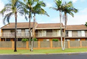1/2 Waratah Ave, Yamba, NSW 2464