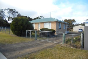 7 Oyster Bay Court, Coles Bay, Tas 7215