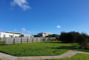 12 WATERFORD DRIVE, Cowes, Vic 3922