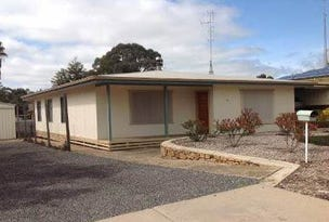 15 Geddes Ave, Clare, SA 5453