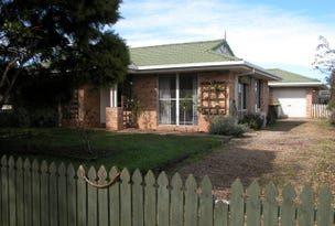 9 Rowe Drive, Macksville, NSW 2447