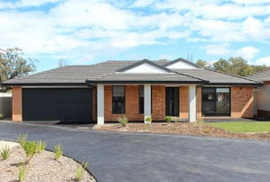 19 Brookfields  Mews, Lavington, NSW 2641