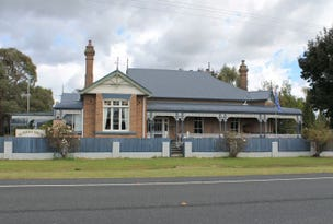 13 Surrey Park Court, Glen Innes, NSW 2370