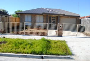 1/2A Clematis Ave., Wendouree, Vic 3355