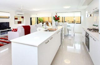 Modern Freestanding Townhouse In Fantastic Location!
