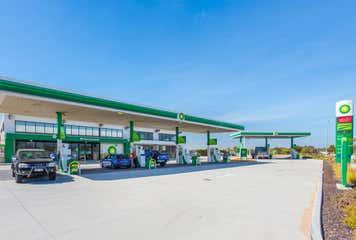 BP, 46 Bakewell Drive Port Kennedy, WA 6172