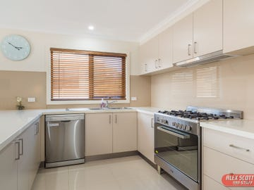 12 IBIS COURT, Cowes, Vic 3922