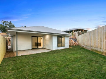 2/4 Red Berry Lane, Woombye, Qld 4559
