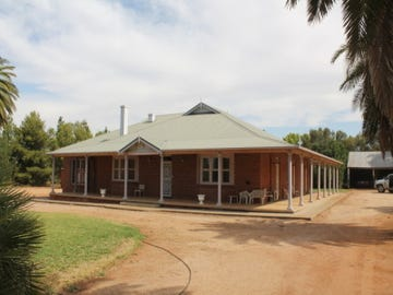 - Tracton, Mirrool, NSW 2665