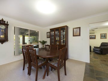 12 Harris Cl, Bellbowrie, Qld 4070