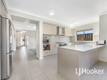 3 Chevrolet Road, Cranbourne East, Vic 3977