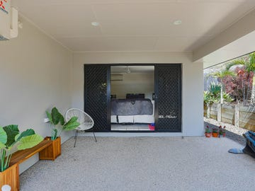 Unit 2/82 West St, Sarina, Qld 4737