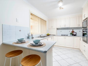8 Doutney Place, Dunlop, ACT 2615