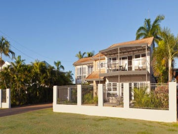 52 Palm Street, Rowes Bay, Qld 4810