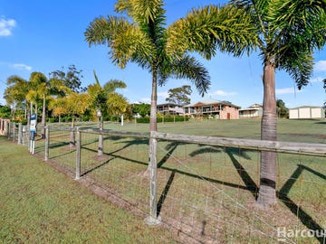 17 Blue Water Road, Booral, Qld 4655